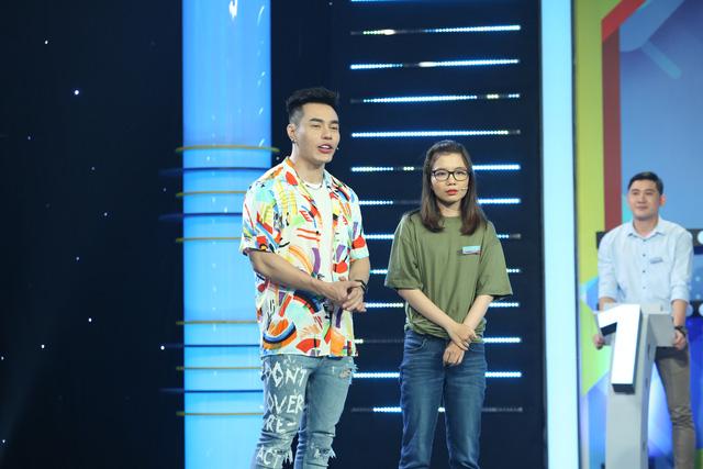 Nữ sinh RMIT bỏ về khi chơi gameshow do Lê Dương Bảo Lâm làm MC - Ảnh 2.