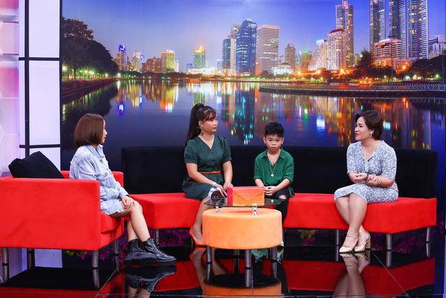 Ba mẹ ly thân, cậu bé 10 tuổi gửi lời tâm sự xót xa đến ba trên sóng truyền hình - Ảnh 1.