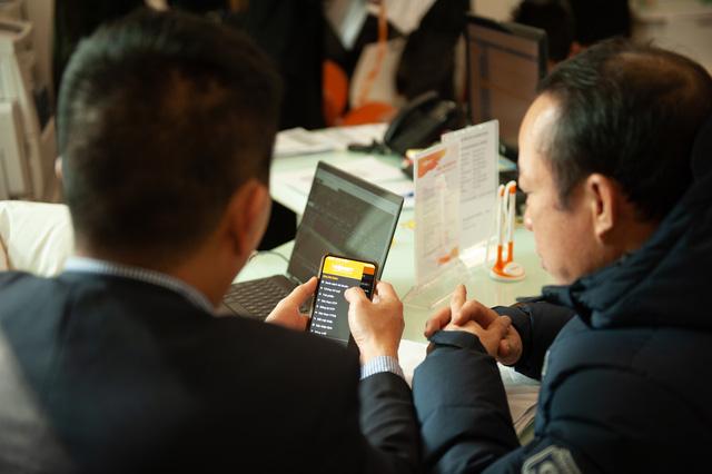 Tắc nghẽn tại các điểm giao dịch khi nhà đầu tư đổ đi mở tài khoản chứng khoán - ảnh 5