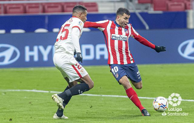 Atletico Madrid 2-0 Sevilla: Atletico nới rộng khoảng cách trong cuộc đua vô địch! - Ảnh 1.