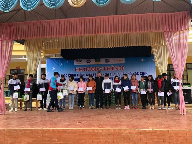 Món quà đầu nằm cho học sinh vùng cao tỉnh Sơn La - Ảnh 4.