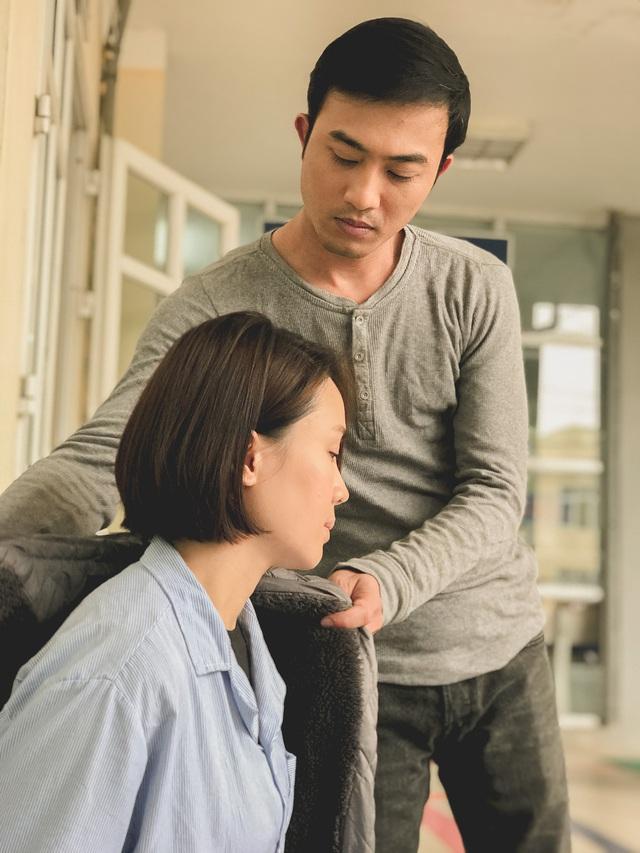 Lộ ảnh Hướng dương ngược nắng: Phúc (Quốc Đam) trở thành nam chính, cùng với Minh Châu (Hồng Diễm) là một đôi về sau? - ảnh 2