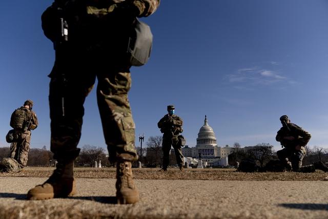 Hàng chục nghìn binh sĩ Mỹ tham gia bảo vệ lễ nhậm chức Tổng thống nghiêm ngặt nhất lịch sử - Ảnh 1.