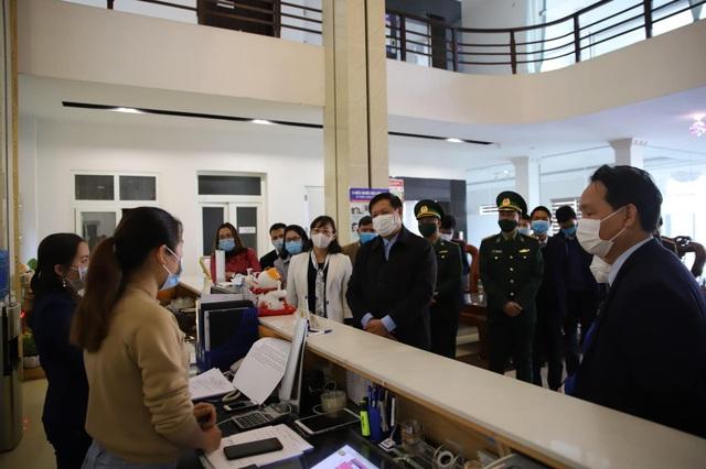 Kiểm tra công tác phòng dịch COVID-19 trước Tết Nguyên đán tại Lào Cai - Ảnh 3.