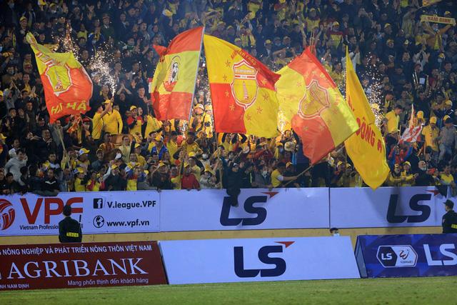 Khai màn V.League 2021: CLB Nam Định tạo bất ngờ trước CLB Hà Nội - Ảnh 4.