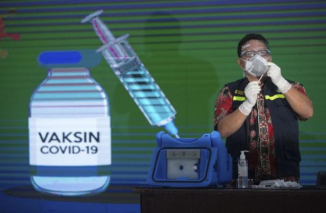 Indonesia ưu tiên tiêm vaccine COVID-19 cho người có tầm ảnh hưởng - Ảnh 1.