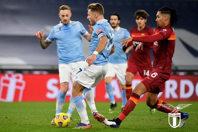 Lazio 3-0 AS Roma: Derby 1 chiều, Luis Alberto chói sáng! - Ảnh 2.