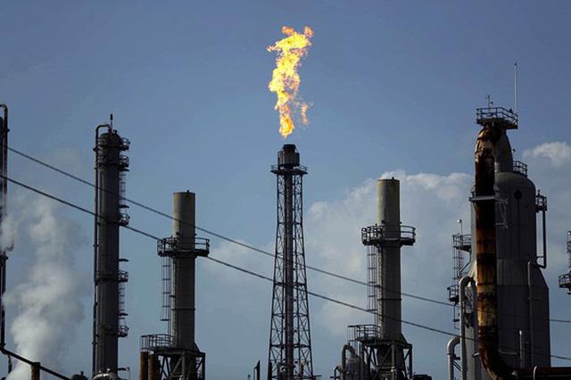 Giá dầu giảm mạnh do lo ngại về tình hình lây lan COVID-19 tại Trung Quốc - ảnh 1