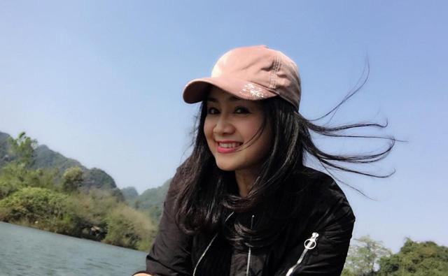 Nhan sắc đời thường trẻ đẹp của bà Cúc Hướng dương ngược nắng - ảnh 15