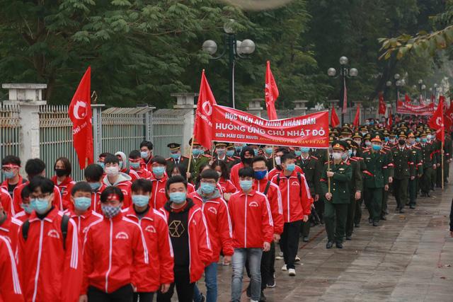 Hàng nghìn tình nguyện viên tham gia hiến máu Chủ nhật Đỏ - Ảnh 2.