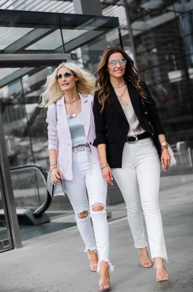 Muôn kiểu biến hóa thời trang chỉ với quần jeans trắng - ảnh 5