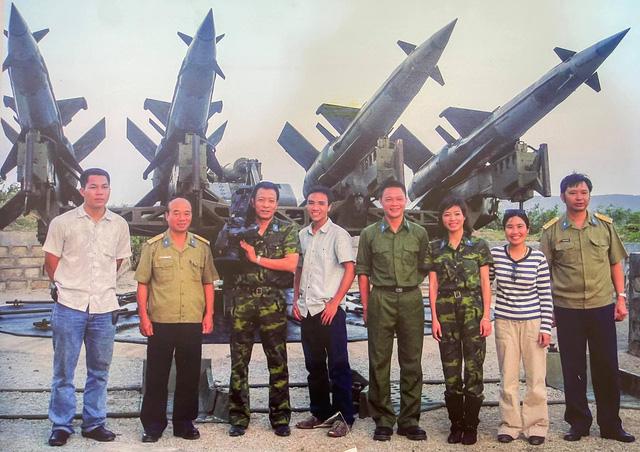 MC Hoàng Linh rưng rưng chia sẻ về cuộc tình 15 năm - Ảnh 1.