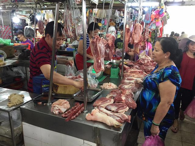 """Lợn hơi tiếp tục tăng giá, tiểu thương chấp nhận """"đạp giá đẩy hàng"""" - ảnh 2"""