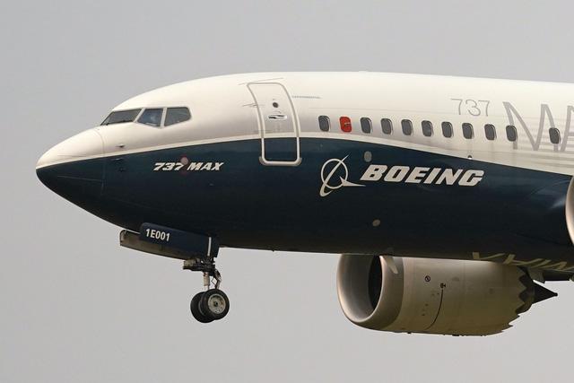 Canada cho phép khai thác trở lại máy bay Boeing 737 MAX - Ảnh 1.