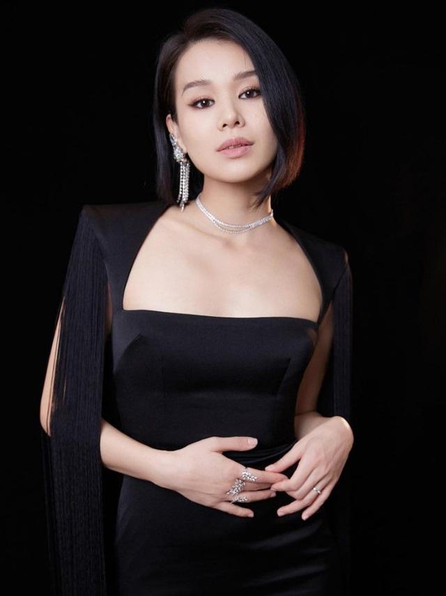 Hồ Hạnh Nhi tiết lộ bị trầm cảm trong hơn 10 năm ở TVB - Ảnh 1.