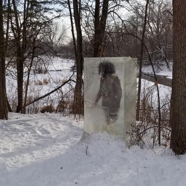 """""""Tượng băng người tối cổ"""" kỳ lạ trên núi tuyết - Ảnh 2."""