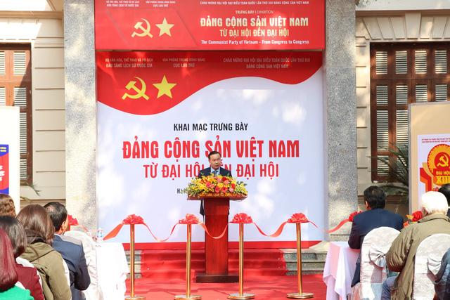 Triển lãm trưng bày chuyên đề Đảng Cộng Sản Việt Nam - Từ Đại Hội đến Đại Hội:  200 tài liệu, hiện vật phong phú - Ảnh 1.