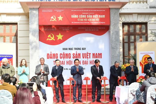 Triển lãm trưng bày chuyên đề Đảng Cộng Sản Việt Nam - Từ Đại Hội đến Đại Hội:  200 tài liệu, hiện vật phong phú - Ảnh 2.