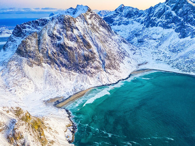Chiêm ngưỡng, 7 bãi biển tuyệt cảnh của mùa đông - ảnh 3