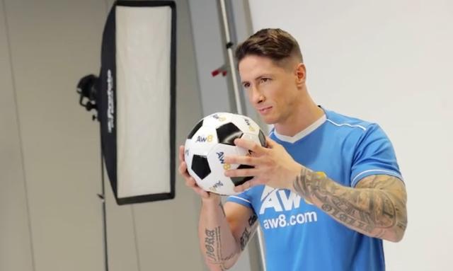 Fernando Torres biến hình thành lực sĩ ở tuổi 36 - Ảnh 3.