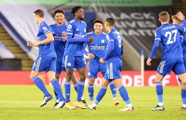 Vòng 18 Ngoại hạng Anh: Thắng Chelsea, Leicester giành ngôi đầu bảng - Ảnh 4.