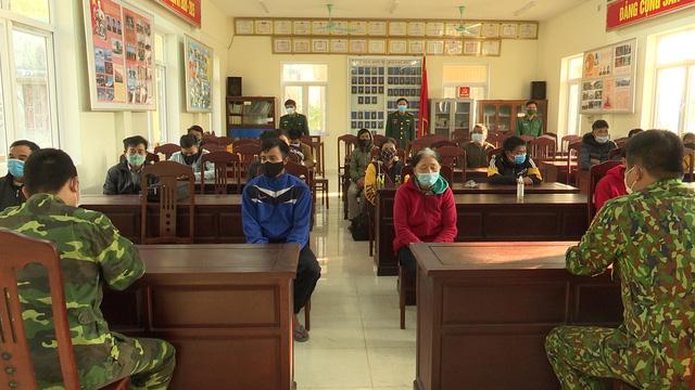 Bắt giữ 29 đối tượng nhập cảnh trái phép từ Lào về Việt Nam - Ảnh 1.