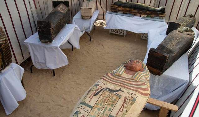 Phát hiện hàng chục quan tài cổ đại 3000 năm tuổi tại Ai Cập - ảnh 1