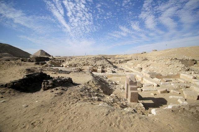 Phát hiện hàng chục quan tài cổ đại 3000 năm tuổi tại Ai Cập - ảnh 3