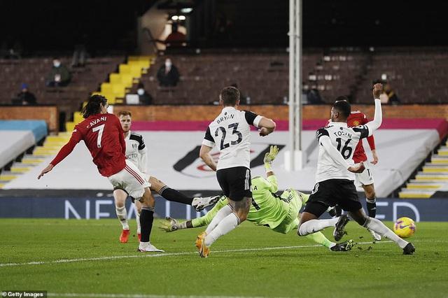 Fulham 1-2 Man Utd: Pogba tỏa sáng, Manchester United trở lại ngôi đầu - Ảnh 3.