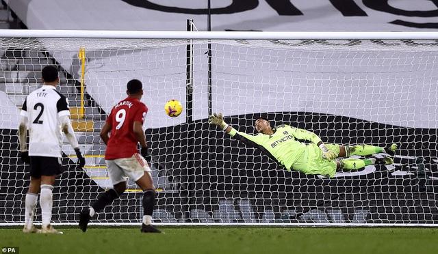 Fulham 1-2 Man Utd: Pogba tỏa sáng, Manchester United trở lại ngôi đầu - Ảnh 4.