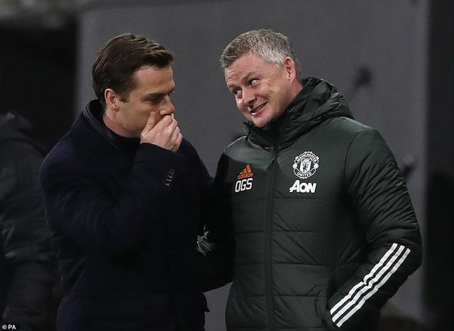 Fulham 1-2 Man Utd: Pogba tỏa sáng, Manchester United trở lại ngôi đầu - Ảnh 6.