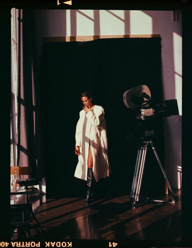 Birgit Kos siêu đẹp và cổ điển trên Vogue Ba Lan - ảnh 9