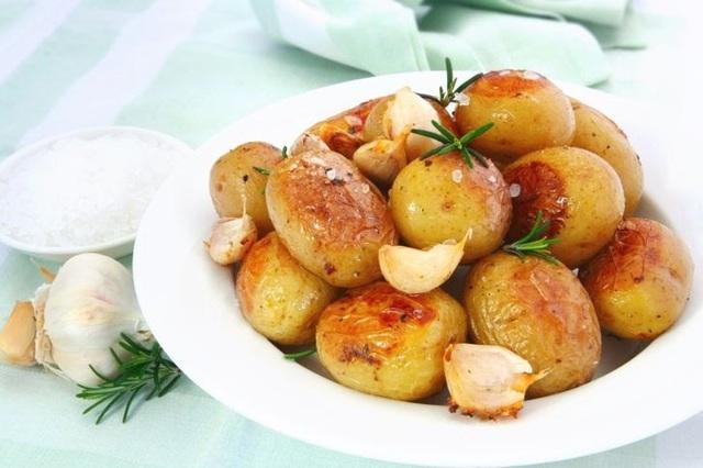 8 thực phẩm không nên hâm nóng bằng lò vi sóng - Ảnh 5.
