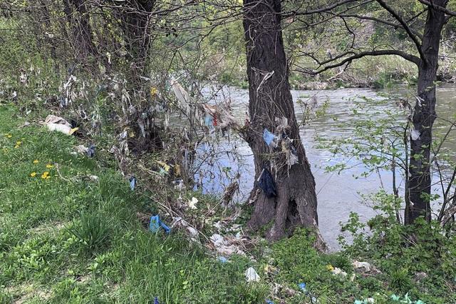 Các nước Tây Balkan đối mặt với khủng hoảng rác thải - Ảnh 1.