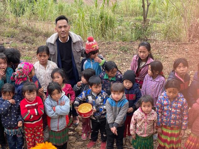 Tết nhân ái tới trẻ em vùng cao tỉnh Hà Giang - Ảnh 4.
