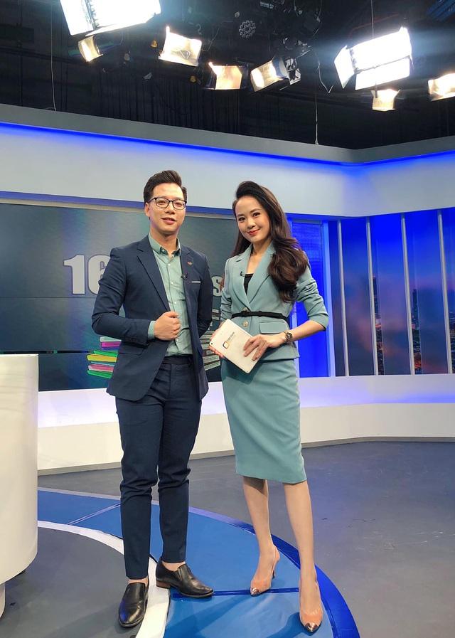 Nữ MC xinh đẹp mới toanh của bản tin Thời sự 19h - Ảnh 10.