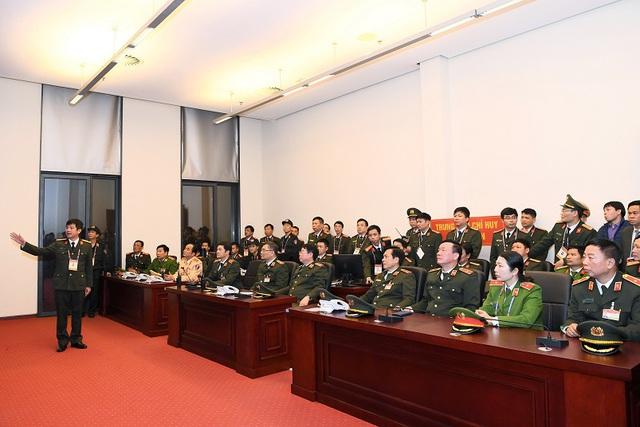 Kiểm tra công tác ứng trực bảo vệ Đại hội Đảng XIII - Ảnh 2.