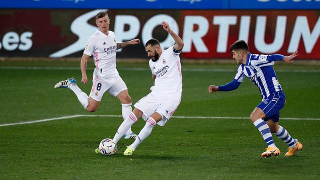 Vòng 20 La Liga: Hazard và Benzema lập công, Real thắng đậm Alaves - Ảnh 1.
