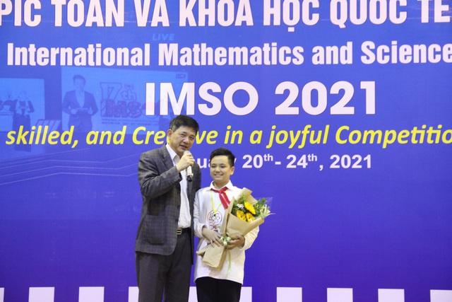 Việt Nam giành 2 HCV Olympic Toán học và Khoa học quốc tế năm 2021 - Ảnh 1.