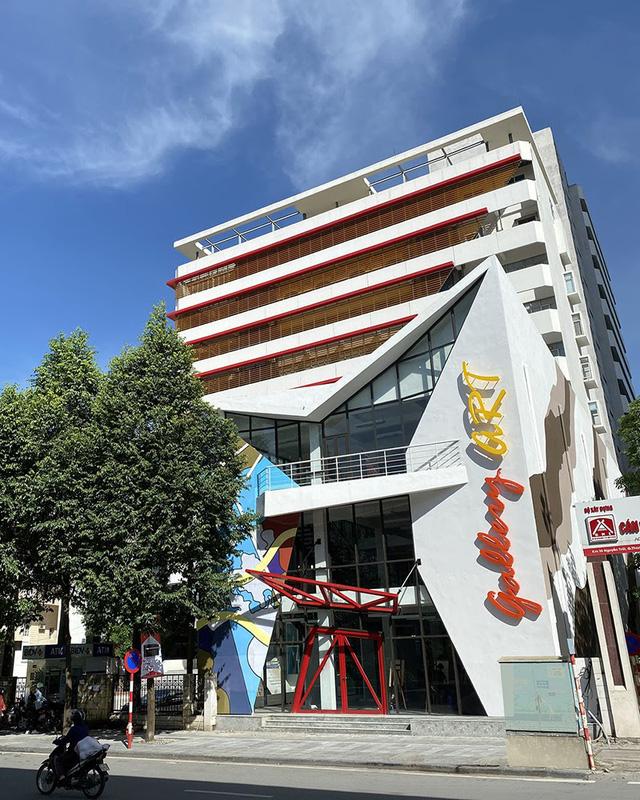 Chào Xuân mở màn khu triển lãm nghệ thuật Art Gallery của SV Kiến Trúc - Ảnh 1.
