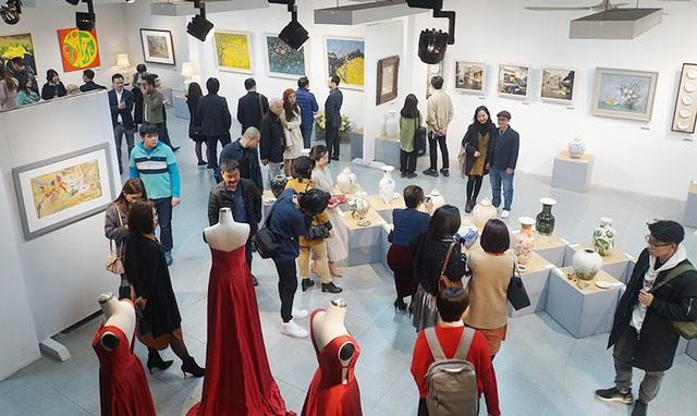 Chào Xuân mở màn khu triển lãm nghệ thuật Art Gallery của SV Kiến Trúc - Ảnh 2.