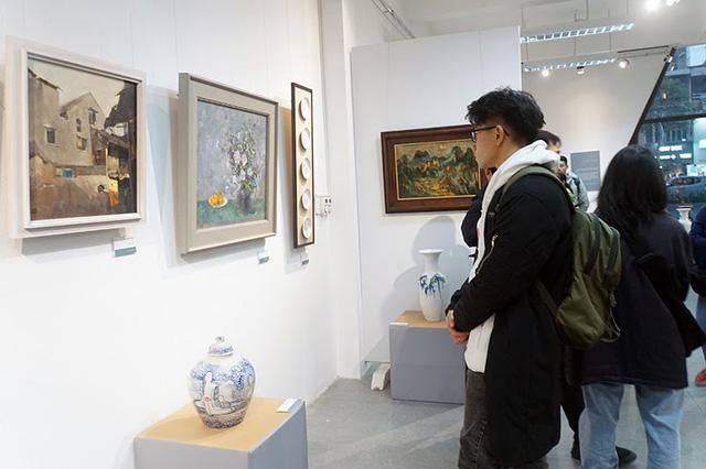 Chào Xuân mở màn khu triển lãm nghệ thuật Art Gallery của SV Kiến Trúc - Ảnh 3.