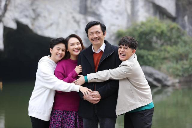 Bảo Thanh vui mừng khi được gặp lại bố Sơn - NSND Trung Anh và Dương - Bảo Hân - Ảnh 3.