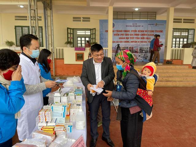 Khám, chữa bệnh miễn phí cho đồng bào vùng cao Lào Cai - Ảnh 5.
