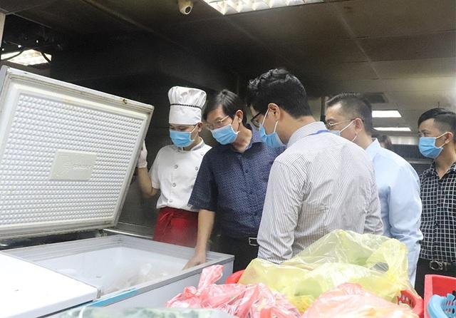 Xử phạt hơn 1,4 tỷ đồng sau 2 tuần ra quân kiểm tra an toàn thực phẩm Tết - Ảnh 1.