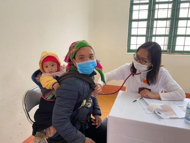Khám, chữa bệnh miễn phí cho đồng bào vùng cao Lào Cai - Ảnh 4.