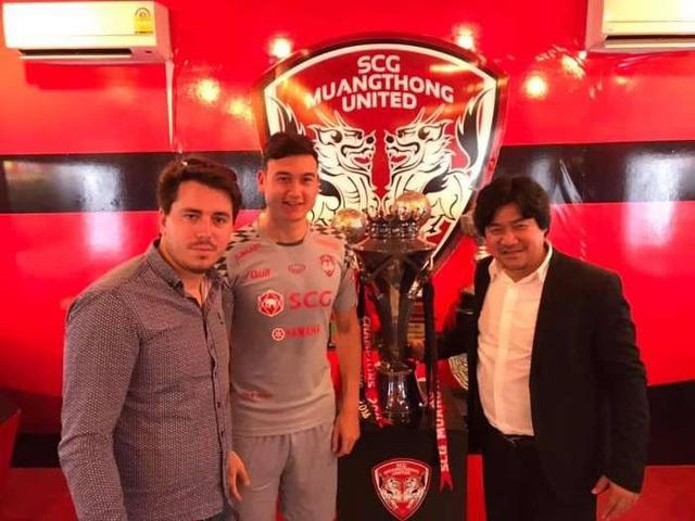 Văn Lâm bị Muangthong United kiện lên FIFA - Ảnh 1.