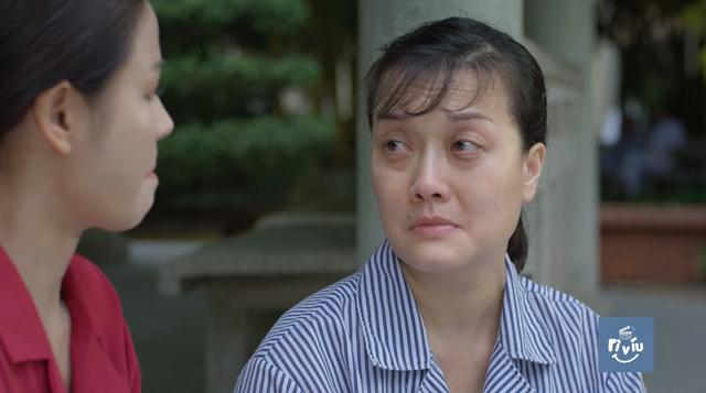 Hướng dương ngược nắng - Tập 20: Minh (Lương Thu Trang) nghẹn ngào ôm chặt người mẹ ngây ngây dại dại - Ảnh 2.