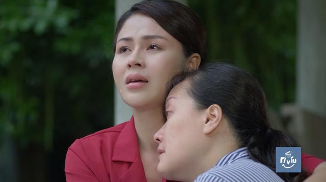 Hướng dương ngược nắng - Tập 20: Minh (Lương Thu Trang) nghẹn ngào ôm chặt người mẹ ngây ngây dại dại - Ảnh 3.