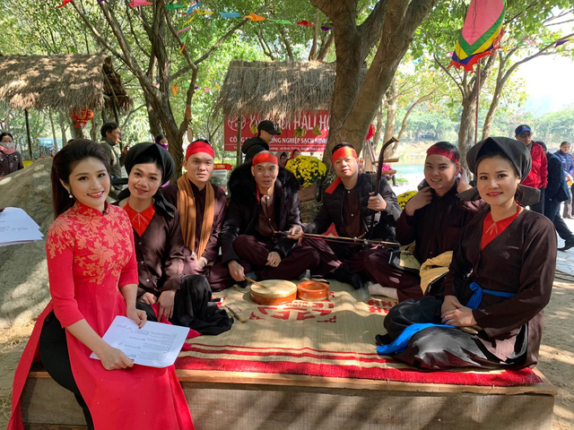 BTV Minh Trang rạng rỡ đón Xuân sớm trong Chiều cuối năm - Ảnh 2.